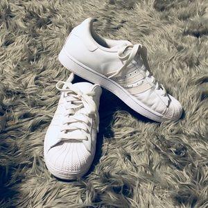 Men's All White Adidas Superstars size 10.5